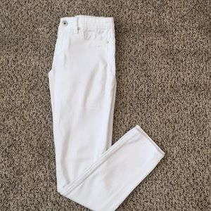BLANK NYC white straight leg jeans - size 25